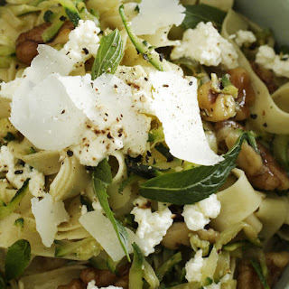 Fettuccine with Zucchini, Walnuts and Ricotta