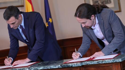 Firma del principio de acuerdo entre Sánchez e Iglesias.