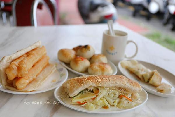 華陽市場旁的手做燒餅、小酥餅都是一絕!近彰商商圈、八卦山武德殿商圈美食