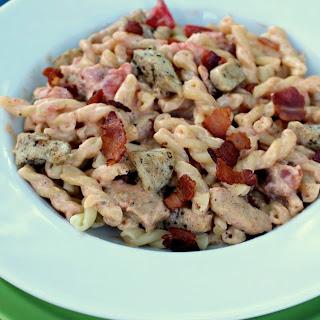Creamy Tomato-Garlic Pasta with Chicken and Bacon Recipe