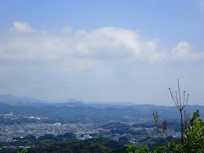 中央に微かに富士山