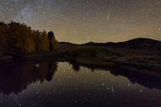 Photo: Orionid Meteor Reflection