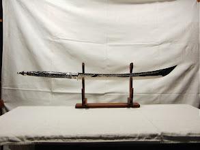 Photo: Modernes Thaischwert mit Perlmuttgriff
