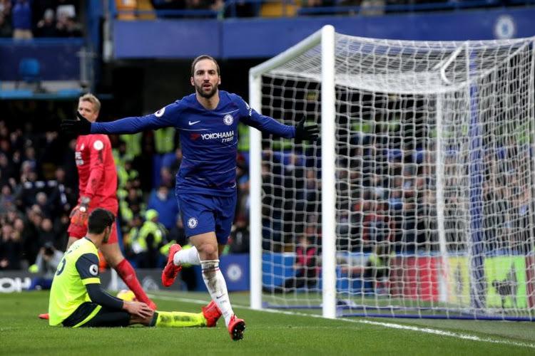 Chelsea, Juventus of AS Roma? Broer en makelaar schept duidelijkheid over toekomst Higuain