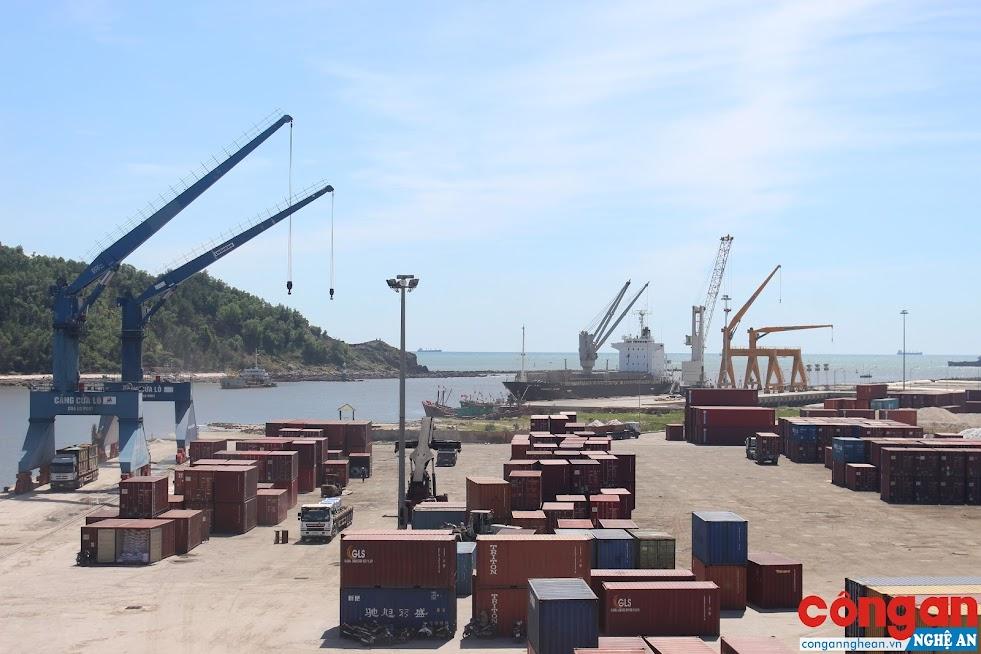 Cảng Cửa Lò ngày càng hiện đại, đáp ứng yêu cầu vận chuyển của khách hàng