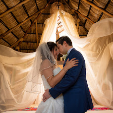 Wedding photographer Luis ibarra Wedding photography (ibarra). Photo of 07.12.2018