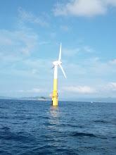Photo: ええー!こんなとこに風車が建ってるー!