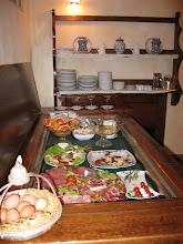 Photo: ... beginnt erst mal mit ordentlich Frühstück im Hotel ...