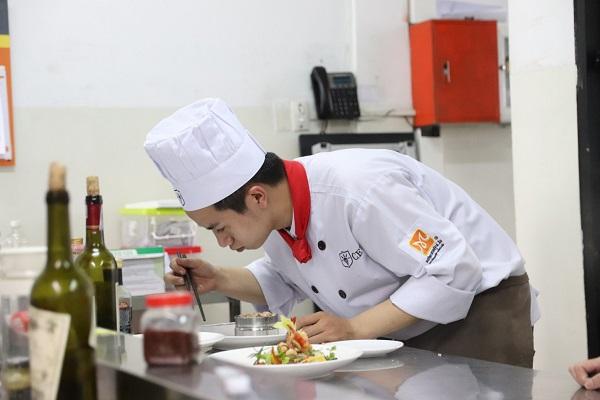 tôi chọn nghề bếp thay vì học đại học
