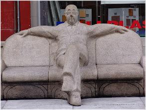 Photo: La Coruña Plaza del  Humor http://www.viajesenfamilia.it/