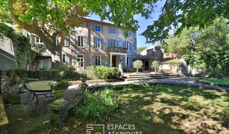 Maison avec piscine La Roquebrussanne