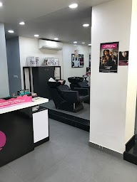 Lakme Salon photo 3