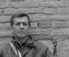Photo: Hernán Vargascarreño.  Premio Nacional de Poesía José Manuel Arango, 2010. Edición digital NTC ... http://ntc-libros-de-poesia.blogspot.com/2010_12_30_archive.html