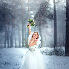 Wedding photographer Alena Siryatskaya (alenasiriatskaia). Photo of 20.12.2015