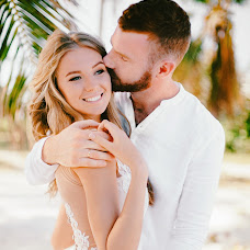 Wedding photographer Alena Nikolaevna (ElenaSys). Photo of 05.01.2018