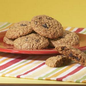 Secret Ingredient Moist & Chewy Oatmeal Cookies