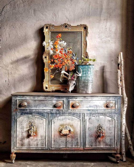 Furnitur dengan motif patina - source: pinterest.com