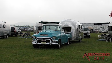 Photo: Hunt's '55 GMC and '62 Globe Trotter