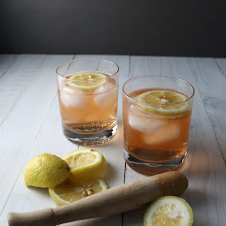 Lemon-Bitters Gin & Tonic