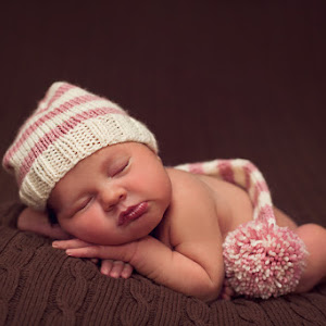 Baby-Tilly-Newborn-June-2015-(138).jpg