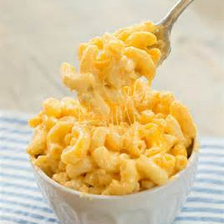 Slow Cooker Mac and Cheese with Garlic Chicken.