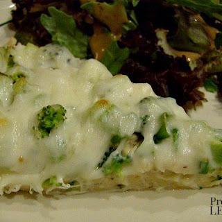 Chicken Alfredo Pizza with Broccoli