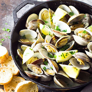 Buttery Garlic Steamed Clams Recipe