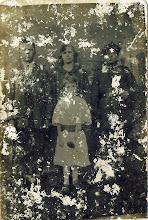 Photo: Pierwsza komunia Katarzyny Dąbrowskiej, pamiątka 14.09.1927. Na zdjęciu Julian Polański, Rozalia Palińska, Franciszek Nebesny. The holy communion of Katarzyna Dąbrowska (1919-2002), 1927