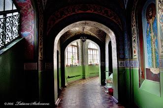 Photo: Внутренняя галерея для крестного хода в храме Петра и Павла в Петродворце