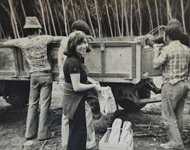 Photo: En la Jira con el remolque. Proveedor: Flori Martínez. Año: 1975.