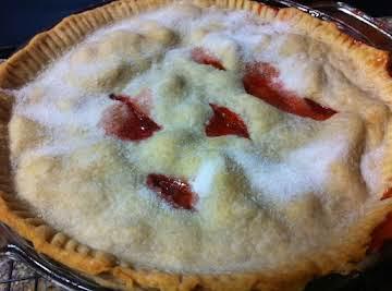 Sweet Strawberry Rhubarb Pie