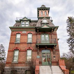 by Bonnie Filipkowski - Buildings & Architecture Public & Historical ( mn, home, victorian oaks, minnesota, april, st cloud, 2015, 2016, 500pxtours, saint cloud, majerous house, historic,  )