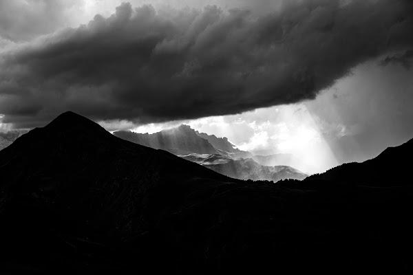 Varchi di luce di Sebastiano Pieri