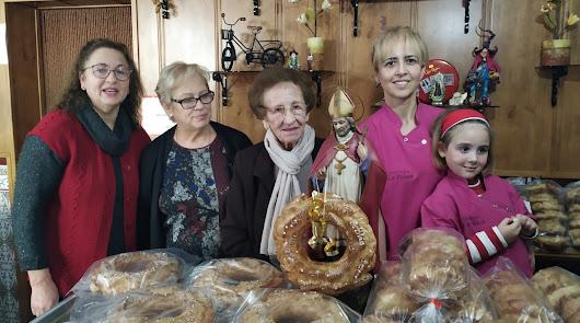 Los 'roscos de San Blas' o 'de viento', hueco manjar que protagoniza la fiesta