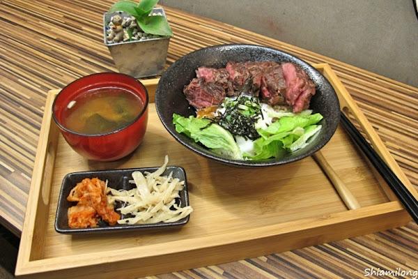 赤丼 - 超厚超厚的牛排做成的牛排丼,大口吃肉,肉食族的最愛