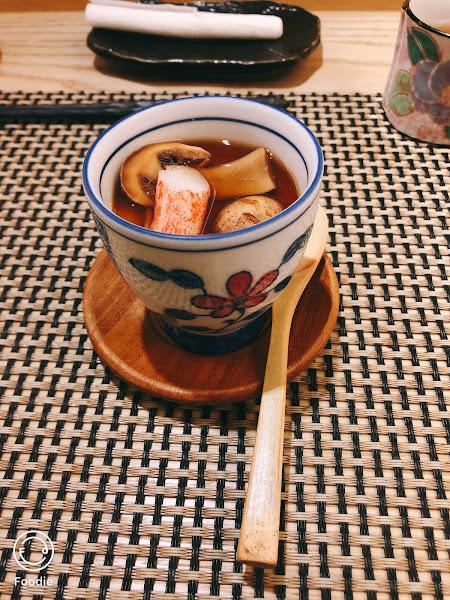 餐點精緻 食材新鮮👍 生魚片肉質不錯(˶‾᷄ ⁻̫ ‾᷅˵)