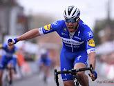 Deceuninck-Quick.Step kletst iedereen (waaronder Jakobsen) uit wiel maar wint toch in Vuelta