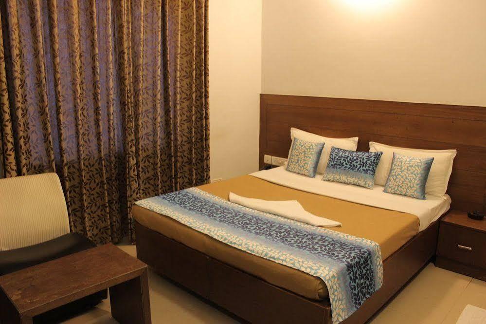 Hotel Mount Residency