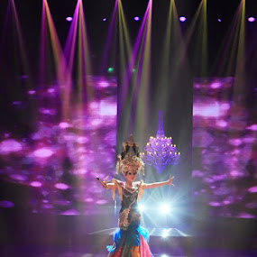 SYAHRINI on Stage by Dhies Asgar - People Musicians & Entertainers
