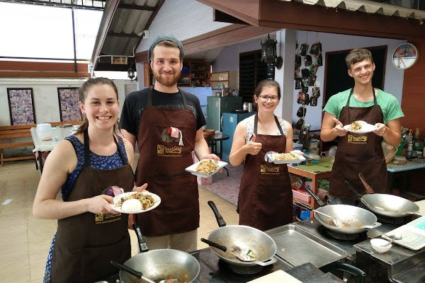 Cook your own Thai dish