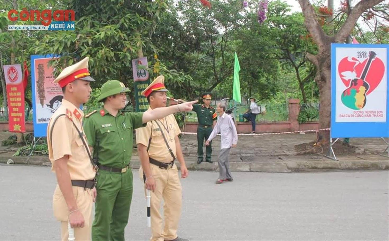 Lãnh đạo Công an huyện chỉ đạo lực lượng CSGT tăng cường công tác tuần tra kiểm soát bảo đảm ANTT, TTATGT phục vụ các hoạt động, lễ kỷ niệm lớn trên địa bàn