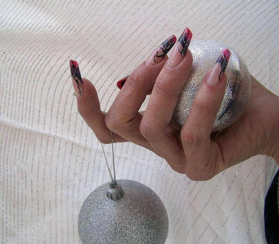 Στεφανία Κουτσόκωστα nails