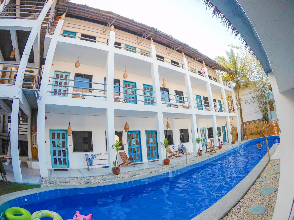 Mad Monkey Hostel Boracay 12