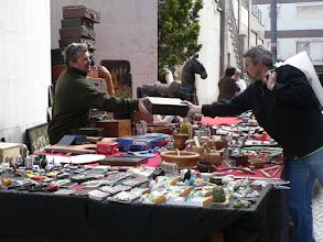 Photo: Variados objetos à venda