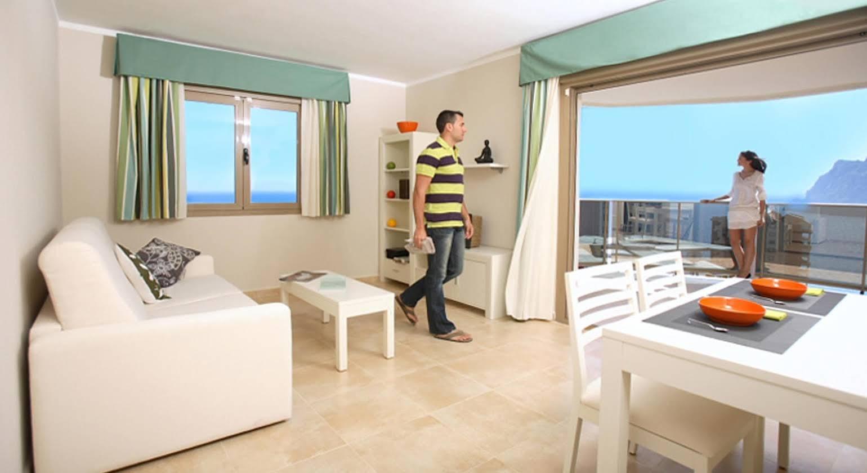 Apartamentos Esmeralda Suites
