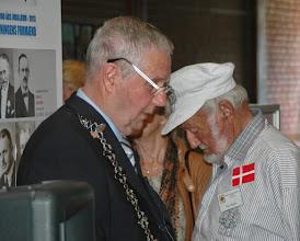 Photo: Formand for Gladsaxe Håndværkerforening åbner udstillingen på Gladsaxe Hovedbibliotek