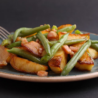 Green Beans With Potatoes and Bacon.
