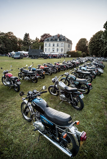 Le parking motos Anglaise  au 20 ans du Triton Club.