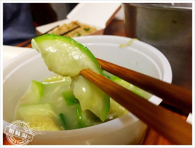 吉祥熱炒-絲瓜炒蛤蠣