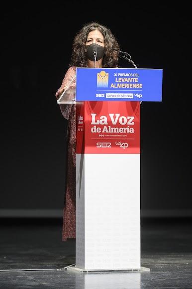 Isabel López, una de las voluntarias del colectivo de Mojácar que confecciona mascarillas y que ha recibido el Premio Sociedad.